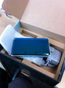 3ds-deballage-console-hardware-unbox-20110217-01