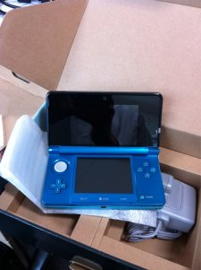 3ds-deballage-console-hardware-unbox-20110217-07