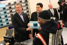 3ds-lancement-console-new-york-photos_2011-03-28-28