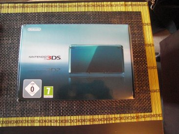 nintendo-3ds-console-bleue-lagon-hardware-screenshot_2011-03-17-01